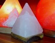 White Himalayan salt lamp, pyramid with USB cable